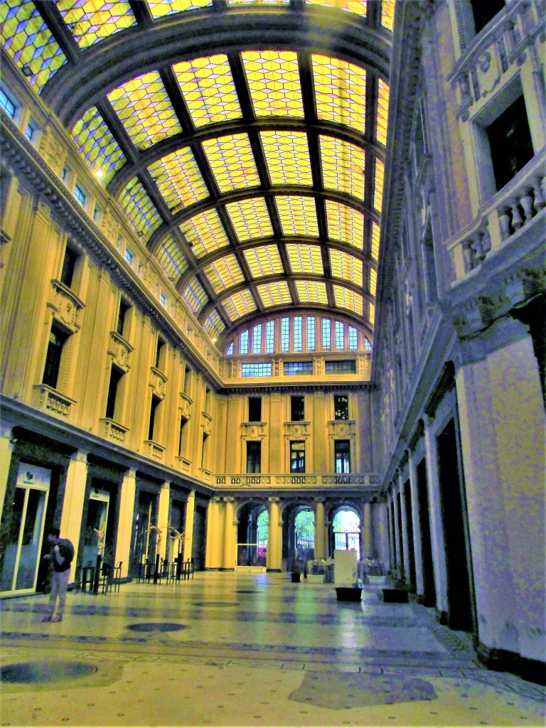 Это изображение имеет пустой атрибут alt; его имя файла - Мессина-Галерея-Витторио-Эмануэле-III-Galleria-Vittorio-Emanuele-III-2-768x1024.jpg